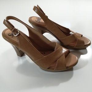 Sofft Tan Leather Platform Heals Size 9